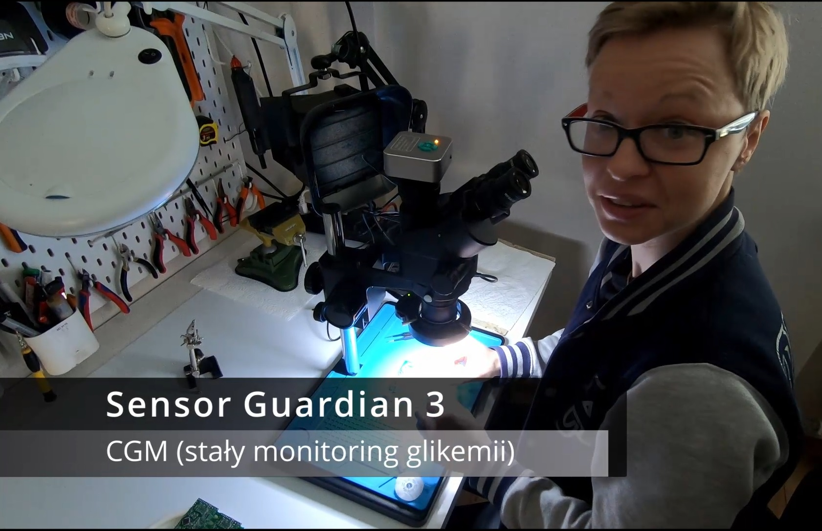 Sensor Guardian 3 pod mikroskopem